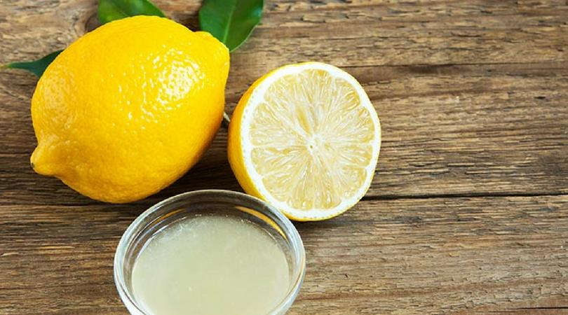 Zitronensaft gegen Augenringe