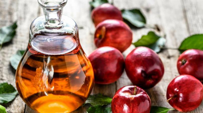 Apfelessig gegen Augenringe
